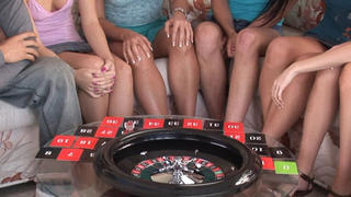 EIGHT teens playing Sex Roulette